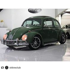 "phillipjclayton: "" #Repost @oldvwclub with @repostapp ・・・ Pra finalizar a noite, fiquem com esse belo Fusca … .. Photo: ? Owner: ? Via: @carroantigo . Use #oldvwclub in your pics . . #instacar #fusca #volks #volkswagen #ratlook #vwlove #stance..."