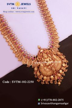 Set in yellow studded with kemp stones with pearl beads hanging. Shipping across USA and India. Gold Temple Jewellery, Real Gold Jewelry, Indian Wedding Jewelry, Gold Jewellery Design, Gold Earrings Designs, Pearl Beads, Usa, Jewelry Collection, Stones