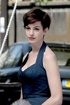 Anne Hathaway Short Hair Haircut
