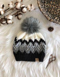 Beanie Pattern Free, Fur Pom Pom Hat, Knit Crochet, Crochet Hats, Knit Basket, Knitting Patterns, Crochet Patterns, Knitted Hats, Winter Hats