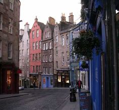 Edinburgh, Scotland.  This place makes my heart feel so at home.  And cozy.  And happy.  Okay, I'll stop right there.  Where's a cuppa, huh?
