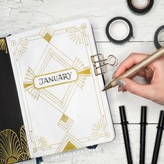 If you've been looking around for inspiration on your monthly bullet journal layout, you've came to the right place. Here are ideas for your bujo! Monthly Bullet Journal Layout, February Bullet Journal, Bullet Journal Cover Page, Bullet Journal 2020, Bullet Journal Aesthetic, Bullet Journal Ideas Pages, Bullet Journal Spread, Journal Covers, Bullet Journal Inspiration