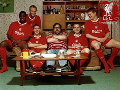 Emile Heskey, Sami Hyypia, Steven Gerrard, Danny Murphy and John Arne Riise with Ricky Tomlinson from the Royle Family in 2004 But Football, Best Football Team, Liverpool Fans, Liverpool Football Club, Liverpool Tattoo, Emile Heskey, Gerrard Liverpool, Stevie G, This Is Anfield