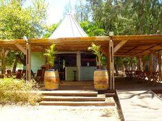 LE FAHAM  La Rondavelle  - il saura vous accueillir afin de présenter avec simplicité les plats traditionnels et locaux.