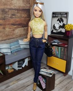 Pariseeee Barbie World, Barbie Life, Barbies Pics, Diy Barbie Furniture, Barbie Fashionista Dolls, Barbie Diorama, Doll Clothes Barbie, Barbie Party, Beautiful Barbie Dolls
