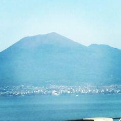 Vesuvio from Castellammare di Stabia www.bbfauno.com #pompei #faunopompei #vesuvius #vesuvio #italy #travel #mountain #morning #volcano #view #castellammaredistabia
