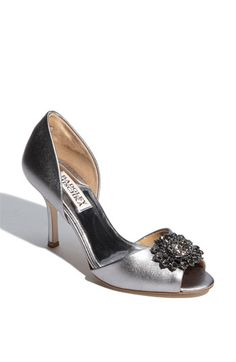 I have these in black.  The most comfortable shoe to dance in!