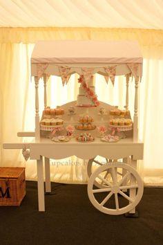 Vintage Wedding Cart Dessert Table - cake by Cupcakes by Amanda Candy Table, Candy Buffet, Dessert Table, Candy Display, Cupcake Display, Wedding Sweet Cart, Bar Deco, Sweet Carts, Candy Cart