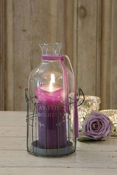 Candle in plum shades