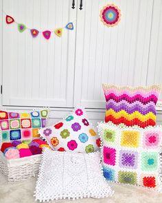 🎈🎈🎈🎈 Crochet Pillow Cases, Crochet Cushion Cover, Crochet Pillow Pattern, Crochet Cushions, Crochet Diagram, Crochet Patterns, Crochet Home, Love Crochet, Crochet Granny