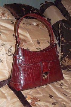 Liz Claiborne Burgundy Faux Leather Alligator Skin Shoulder Handbag 3 Sectional #LizClaiborne #ShoulderBag