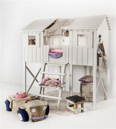 Children's Rooms: Lovely kids loft bed by Kidsfactory Indoor Tree House, Cool Kids Rooms, Cubby Houses, Ideas Prácticas, Maila, Daughters Room, Kids Decor, Home Decor, Cool Beds