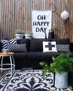 Bring the interior style from inside into your garden with this awesome outdoor poster Happy Day. Your garden is an extension of your home. Feel at Outhouse Decor, Interior Styling, Interior Design, Garden Makeover, Backyard Makeover, Modern Garden Design, Outdoor Living, Outdoor Decor, White Gardens