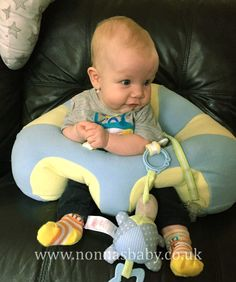 Oliver loves his Hugaboo!!! How cute and happy he looks, enjoying the freedom his Hugaboo seat gives him. :-) Thanks to mum Sarah for sharing Oliver's photo with us. • Find out more about Hugaboo: https://nonnasbaby.co.uk/hugaboo-baby-seat/