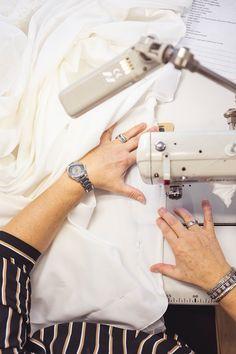 Überlass uns den Rest! Wir stellen sicher, dass dir dein Brautkleid zu 100% passt! Mit unserem FUSSL HappyDay Änderungsservice bist du auf der sicheren Seite! 👌🏼 Tricks, Hermes, Rest, Fashion, Bridle Dress, Gowns, Moda, Fashion Styles, Fashion Illustrations
