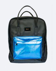muchila-negra-bolsillo-azul Color Negra, Back To School, Backpacks, Bags, Shopping, Blue Nails, Black, School Backpacks, Pockets