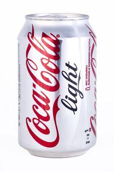 コップ一杯飲むだけでも健康に恐ろしい影響があるかもしれない飲み物。多くの人が毎日飲んでいる! Lifehacks, Coca Cola Light, Toxic Foods, Natural Solutions, Alternative Medicine, Tricks, Nutrition, Blog, Canning