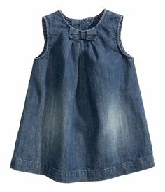 Shop kids clothing and baby clothes at H&M – We offer a wide selection of children's clothing at the best price. Baby Girl Party Dresses, Dresses Kids Girl, Baby Dress, Kids Outfits, Baby Outfits, Cute Toddler Girl Clothes, Toddler Dress, Frocks For Girls, Kids Frocks