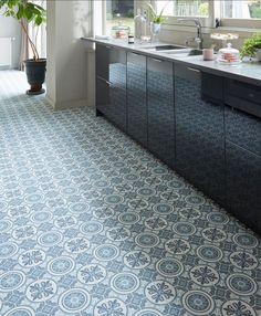Un sol carreaux de ciment pour une cuisine pleine de style !