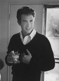 Warren Beatty brother of Shirley MacLaine
