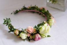 @ukwiecona opaska ślubna wianek ślubny komunia eukaliptus róża kalanchoe piwonia Flower Crown, Diy And Crafts, Floral Wreath, Wreaths, Flowers, Decor, Crowns, Crown Flower, Floral Crown