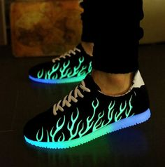 Fashionable Low Top Sneakers,Dancing Shoes,Unisex Sport Shoes,8 Color Change LED Light Shoes,Casual USB Charging Shoes(Black,Red)