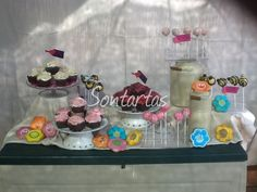 Rosas de cupcakes, galletas flor cake pops abejas y bolas rosas hecho por Sontartas