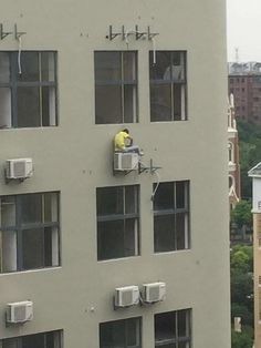 Because if you're going to be stupid, you should at least be stupid enough to win a Darwin Award. Because if you're going to be stupid, you should at least be stupid enough to win a Darwin Award. Safety Fail, Darwin Awards, Air Conditioning Services, Funny Sites, Home Room Design, Stupid People, Live Long, Dumb And Dumber, Funny Pictures