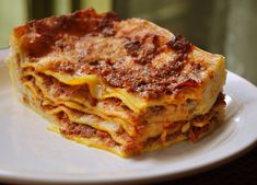 Bolognese and Béchamel Lasagne. My wife makes really good lasagna Italian Meat Lasagna Recipe, Best Lasagna Recipe, Italian Recipes, Lasagne Bolognese, Bolognese Recipe, Baked Lasagna, Meatball Lasagna, Veggie Lasagna, Italian Meats