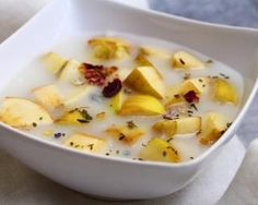 Soupe de pommes épicée sans graisse : http://www.fourchette-et-bikini.fr/recettes/recettes-minceur/soupe-de-pommes-epicee-sans-graisse.html-0