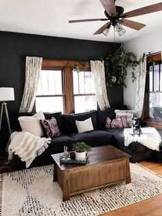 37 + The Moody Living Room Game – inspiredeccor - Warm home decor Boho Living Room, Cozy Living Rooms, Apartment Living, Home And Living, Small Living, Living Room Decor With Black Couches, Living Room Ideas Black And White, Black Living Rooms, Black Living Room Furniture