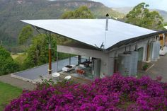 Shipping Container Buildings: Kangaroo Valley House Down Under