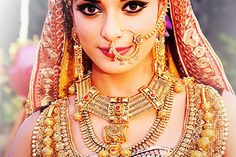 Pooja Sharma in saree - Pooja Sharma Rare and Unseen Images, Pictures, Photos & Hot HD Wallpapers