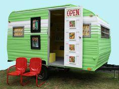 Nicole Caulfield Fine Art: mobile art studio