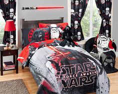 http://learn.walmart.com/uploadedImages/Tips-Ideas/Articles/Star_Wars/Gift_guide_for_Star_Wars_fanatic/Star-Wars-Gifts_530x426_T5hero.jpg