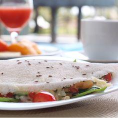 Tapioca com queijo, tomate e manjericão. Uma das opções no café da manhã no Hotel Terraços Marinh, na Península de Maraú (BA).