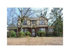 """10 South Avondale Plaza, Avondale Estates GA - Might be the """"American Horror Story"""" home of the ATL"""