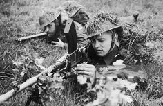 Czechoslavak Bren gunners complete a training exercise in Britain during World War II, circa 1940. The Bren gun was adapted in Britain from a Czech gun designed in Brno, hence the first two letters of its name.