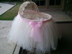 Twice Loved Vintage: Twice loved baby bassinet...