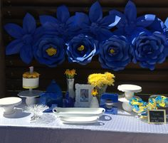 The dessert table :|| Blue + Yellow = Golden State Warriors