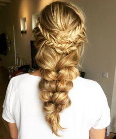Ideas hair blonde medium length beauty for 2019 Braids For Long Hair, Long Curly Hair, Curly Hair Styles, Loose Hairstyles, Braided Hairstyles, Teenage Hairstyles, Black Hairstyles, Beautiful Hairstyles, Trendy Hairstyles