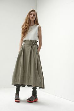 画像: 2/22【salvy; -Women's-】 - SUCH A GORGEOUS GREEN SKIRT, WHICH LOOKS FABULOUS WITH HER WHITE SHIRT & AWESOME SHOES!!