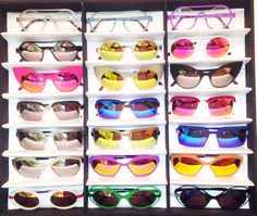 ROGER limited edition sunglasses, all mirror flash Optician, Simple Shapes, Dutch, Eyewear, Sunglasses, Mirror, Design, Eyeglasses, Dutch Language