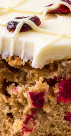 This Cranberry Christmas Cake is the perfect holiday dessert. It's extra moist and super flavorful thanks to brown sugar, cinnamon, a hint of orange zest, and fresh cranberries. Topped with white Köstliche Desserts, Holiday Desserts, Holiday Baking, Holiday Recipes, Delicious Desserts, Christmas Recipes, Holiday Treats, Christmas Deserts, Christmas Cake Decorations