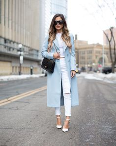 Restyling this baby blue coat on Mia Mia Mine today. Blue Heels Outfit, Blue Blazer Outfit, Cardigan Azul, Winter Coat Outfits, Winter Ootd, Effortlessly Chic Outfits, Blue Jean Outfits, Blue Trench Coat, Winter Looks