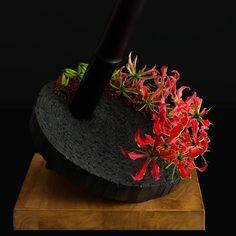 Contemporary Flower Arrangements, Floral Arrangements, Bamboo Architecture, Corporate Flowers, Flora Design, Wonderful Flowers, Different Flowers, Arte Floral, Ikebana