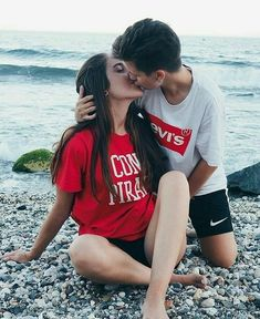Every one desires to as happy as they possibly can be with their partner. Check out these 28 things couples may do to build and sustain a happier and healthy relationship. Couple Goals, Cute Couples Goals, Couples In Love, Romantic Couples, Romantic Gifts, Relationship Goals Pictures, Cute Relationships, Healthy Relationships, Couple Relationship