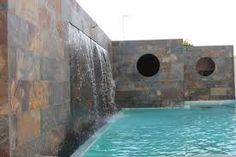 Resultado de imagen para cascada piscina moderna