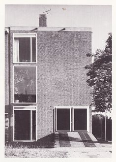 Architect Renaat Braem's house in Deurne (Antwerpen), 1958. Photo ©  Lenz Vermeulen