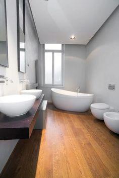 Bagno in parquet appartamenti privati